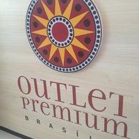 Das Foto wurde bei Outlet Premium Brasília von Bruna G. am 2/18/2013 aufgenommen