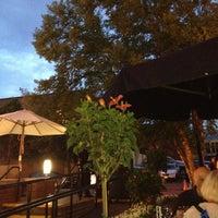Das Foto wurde bei Cafe Milano von Donna L. am 5/11/2013 aufgenommen