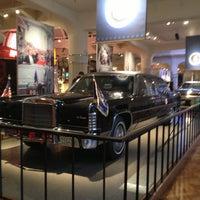 Foto tomada en Henry Ford Museum por Helen Chiu el 11/26/2012