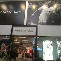 nike store outlet mall niagara falls ny