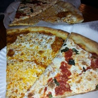 Das Foto wurde bei Prince St. Pizza von Zack S. am 9/20/2012 aufgenommen