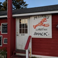 Photo taken at McLoons Lobster Shack by Zack S. on 8/1/2018