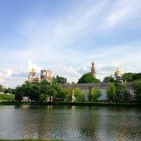 6/1/2013 tarihinde S444ziyaretçi tarafından Novodevichy Park'de çekilen fotoğraf