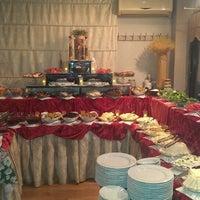 Foto diambil di La Vraie Ambiance Cafe & Restaurant oleh Tuncay C. pada 6/16/2013