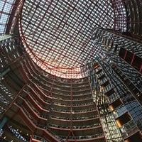 4/19/2018에 Daniel A.님이 The Atrium at the Thompson Center에서 찍은 사진