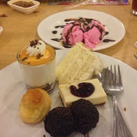 10/17/2013 tarihinde Marijun S.ziyaretçi tarafından Dad's Ultimate buffet'de çekilen fotoğraf