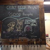 Das Foto wurde bei Bootlegger's Brewery von Rudy C. am 10/12/2013 aufgenommen