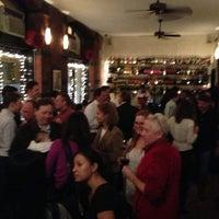 Das Foto wurde bei Acqua Restaurant NYC von Lockhart S. am 12/11/2012 aufgenommen