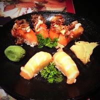 Foto tirada no(a) Sashiburi Sushi House por Betina em 7/10/2013
