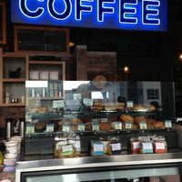 Снимок сделан в Water Avenue Coffee Company пользователем Bryn M. 3/17/2013