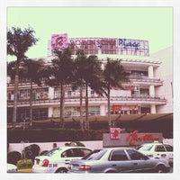 Photo prise au Robinsons Place Manila par Rhoniel Jedh le2/13/2013