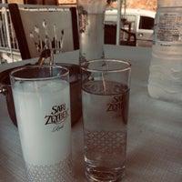 รูปภาพถ่ายที่ King's Garden Restaurant โดย Orhn เมื่อ 5/17/2019