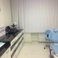 2/10/2013 tarihinde Volkan Z.ziyaretçi tarafından Diş Hekimi Serkan ZEYBEK - Diş Kliniği'de çekilen fotoğraf