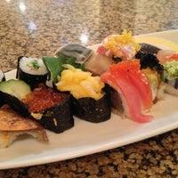 Foto tomada en Makino sushi and seafood buffet por Johnason S. el 9/15/2012