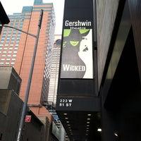 Foto tomada en Teatro Gershwin por Chris P. el 7/3/2013