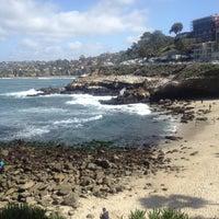 Das Foto wurde bei George's at The Cove von Olivia C. am 3/9/2013 aufgenommen