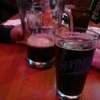 Photo prise au Slyder's Tavern par Steve D. le3/17/2018