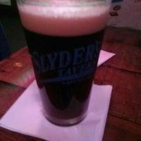 Photo prise au Slyder's Tavern par Steve D. le1/12/2018