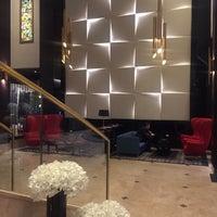 Foto tirada no(a) Radisson Blu Leogrand Hotel por Юля Б. em 3/9/2018