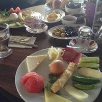 รูปภาพถ่ายที่ Mihver Cafe & Nargile โดย ⭐aylin ⭐. เมื่อ 4/28/2013