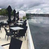Foto diambil di La Cuisine du BelRive oleh Jacques G. pada 5/18/2017