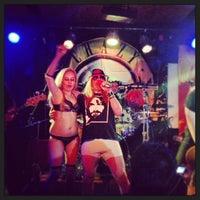Foto tomada en Bluzz Live por Lucas R. el 9/22/2013