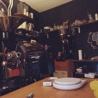 12/17/2014 tarihinde Serhat G.ziyaretçi tarafından Black Cat Coffee'de çekilen fotoğraf