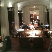 Photo prise au Hôtel Le Royal Monceau Raffles par Adrien C. le11/11/2012