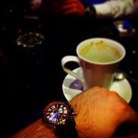 Das Foto wurde bei Social Roof FCM Cafe von Faruk Ş. am 12/25/2015 aufgenommen