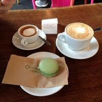 Das Foto wurde bei TOYKIO Gallery & Coffee von Nessi am 6/1/2013 aufgenommen