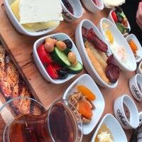 4/15/2017 tarihinde Kemal Ö.ziyaretçi tarafından ARDEN Cafe & Restaurant'de çekilen fotoğraf