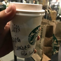 Снимок сделан в Starbucks пользователем Raffy V. 6/7/2018