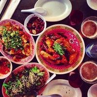 Foto diambil di Mission Chinese Food oleh Matt D. pada 10/24/2012