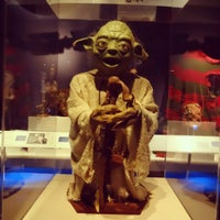 Снимок сделан в Museum of the Moving Image пользователем Masayo K. 2/23/2013