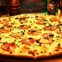 รูปภาพถ่ายที่ Flippin' Pizza โดย BistreBistro เมื่อ 2/20/2015