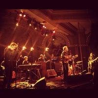 Foto scattata a Crystal Ballroom da Monty . il 10/5/2012