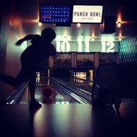 Das Foto wurde bei Punch Bowl Social von Monty . am 8/17/2013 aufgenommen