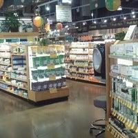 Das Foto wurde bei Whole Foods Market von Pat B. am 6/1/2013 aufgenommen
