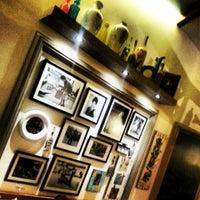 Das Foto wurde bei Il Vicino Pizzeria von Yasemin K. am 10/29/2013 aufgenommen