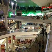 Foto tirada no(a) Millennium Mall por JesusSanch em 5/4/2013
