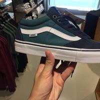 Vans - Negozio di calzature in Rome