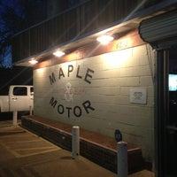 Das Foto wurde bei Maple & Motor von Aaron J. am 3/12/2013 aufgenommen