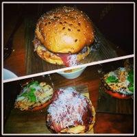 Das Foto wurde bei Maha Restaurant von Sarah B. am 4/19/2013 aufgenommen