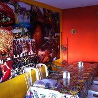 8/3/2013 tarihinde Gylda D.ziyaretçi tarafından La Nueva Salsita'de çekilen fotoğraf