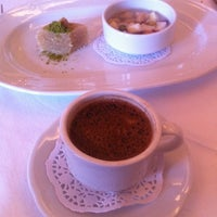 3/30/2013 tarihinde barischziyaretçi tarafından Asitane Restaurant'de çekilen fotoğraf