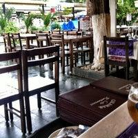 4/15/2013 tarihinde Steve J.ziyaretçi tarafından Calamar Restaurant'de çekilen fotoğraf