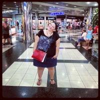 Photo prise au Antalya Migros AVM par Aynur K. le8/11/2013
