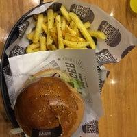 11/19/2018 tarihinde Serpil Ç.ziyaretçi tarafından Burger Bucks'de çekilen fotoğraf