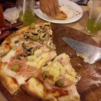 Foto tomada en Central de Pizzas por Elena G. el 5/12/2013