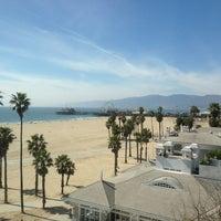 รูปภาพถ่ายที่ Casa Del Mar Hotel โดย Roberta R. เมื่อ 3/14/2013